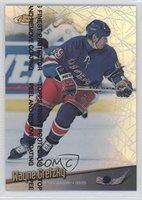 Wayne Gretzky (Hockey Card) 1998-99 Topps Finest Refractors #64