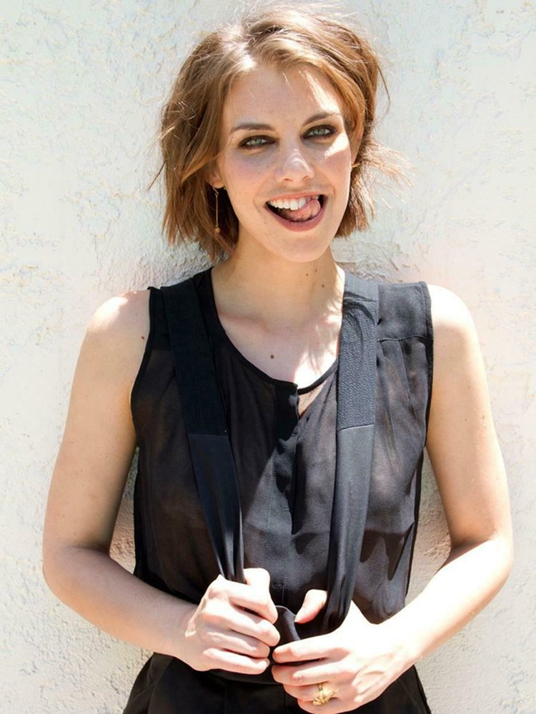 Lauren Cohan With Her Short Hair 8x10 Picture Celebrity