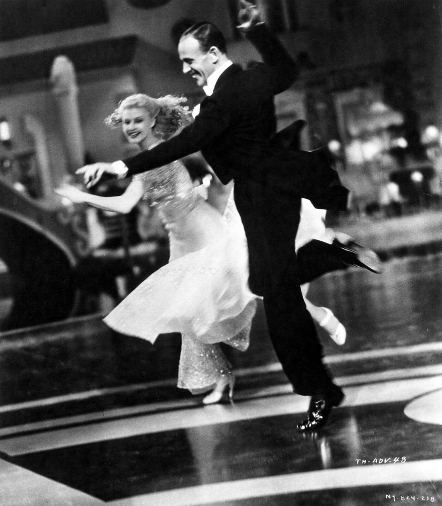 Fred Astaire And Ginger Rogers Dancing And Smiling 8x10