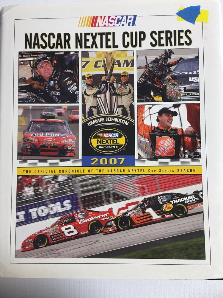 2007 NASCAR NEXTEL CUP SERIES YEARBOOK HARDBOUND By UMI