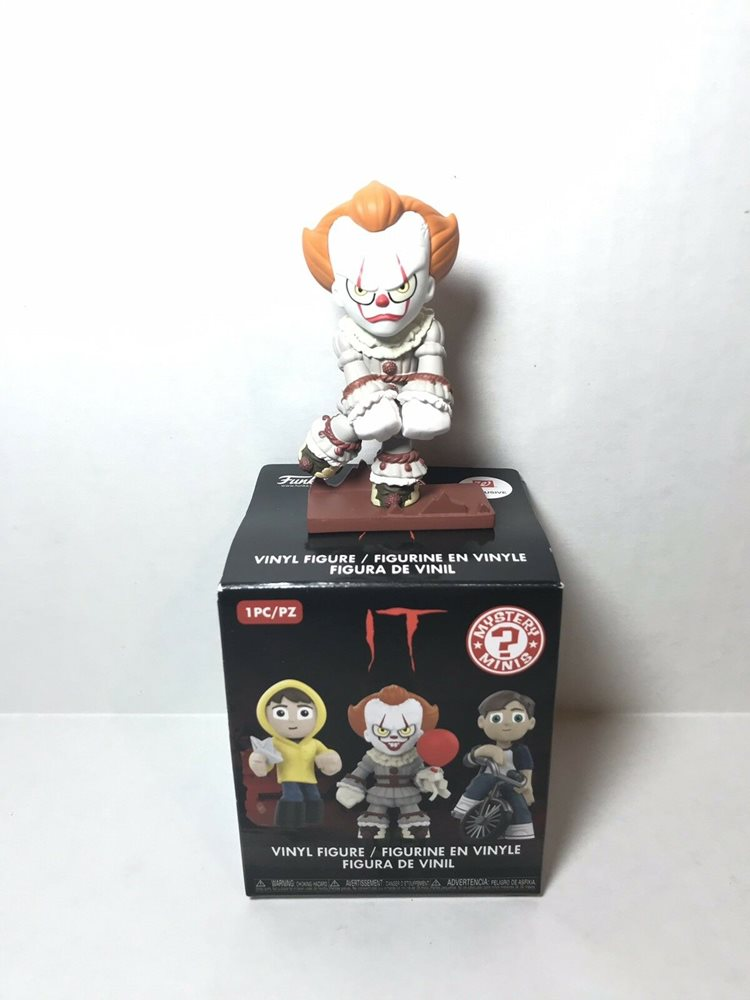 Funko Mystery Minis IT PENNYWISE Dancing Vinyl Figure