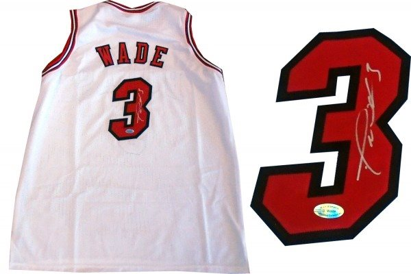 the latest 052d6 85d84 Dwyane Wade Autographed Chicago Bulls White Jersey