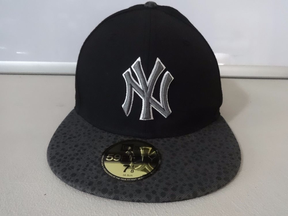 9135241cfd7bc Vintage MLB New York Yankees 59 50 Fitted Ball Cap New