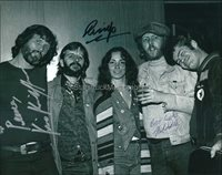 Ringo Starr, Kris Kristofferson, Mickey Dolenz Autographs ** Signed 10x8 Photo