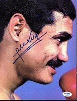 Alexis Arguello Signed Magazine Page Photograph - PSA/DNA Authenticated - Boxing Merchandise