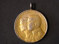 1964 30dr SILVER GREEK COIN. GOLDPLATED READY FOR NECKALE OR KEYCHAIN.