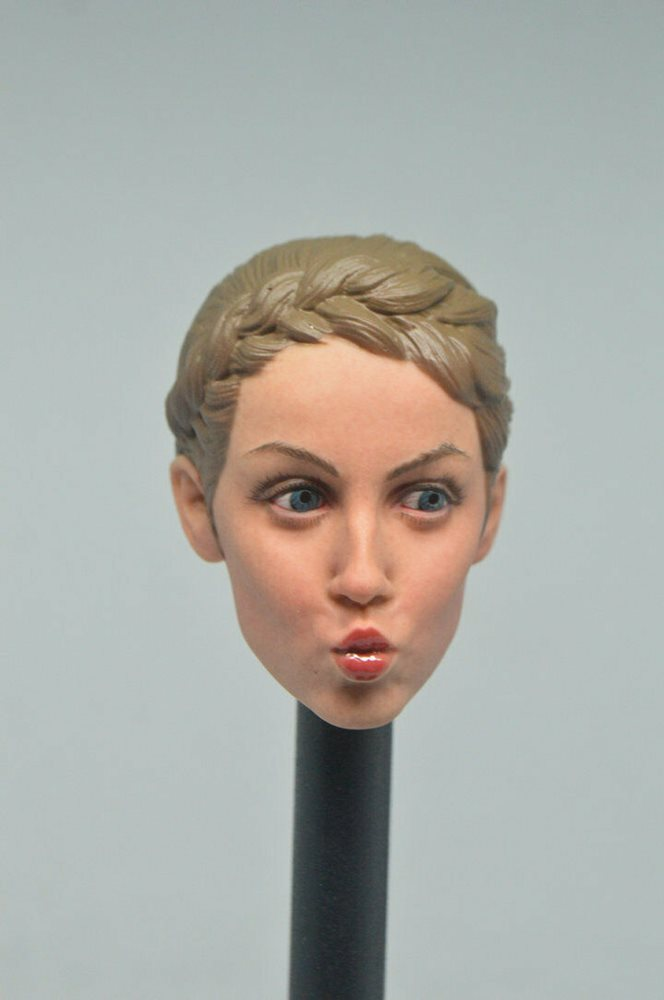 FacepoolFigure FP-H-003 1//6 Female Head Sculpt with Expression Fit 12/'/' Figure
