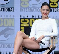 Glossy Photo Picture 8x10 Gal Gadot Sexy Legs Crossed
