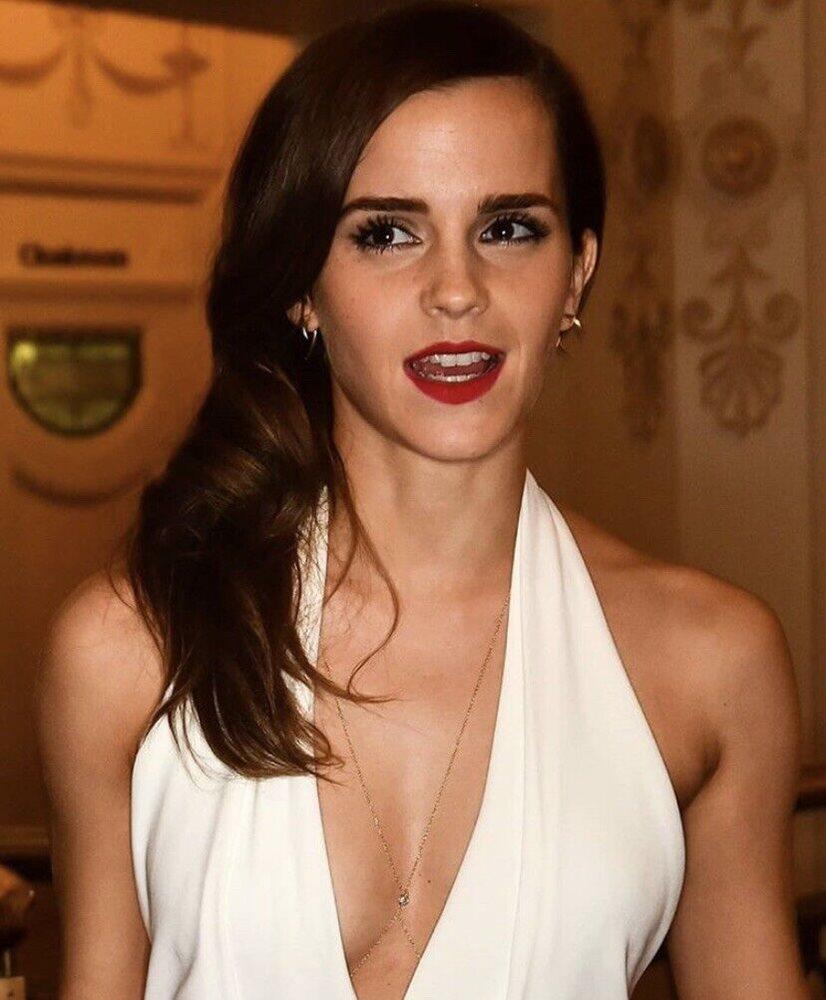 Watson sexy pics emma Emma Watson