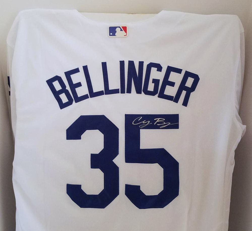 super popular 2f681 4abb8 Cody Bellinger Los Angeles Dodgers Signed Baseball Jersey