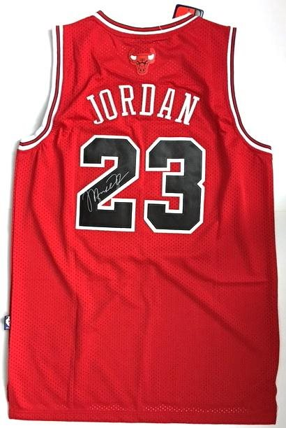 reputable site 87804 b1562 Michael Jordan Autographed Chicago Bulls Jersey