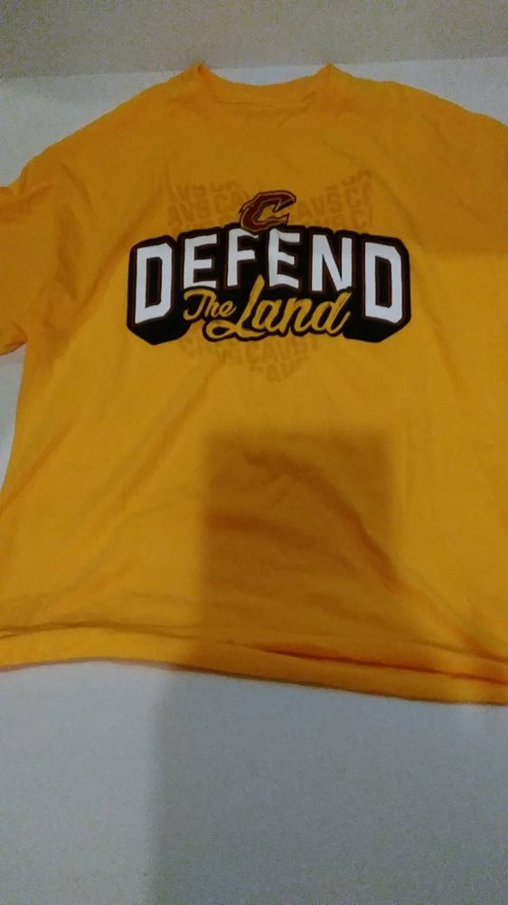 bca17131f Cleveland Cavaliers Defend The Land Promotional T- Shir