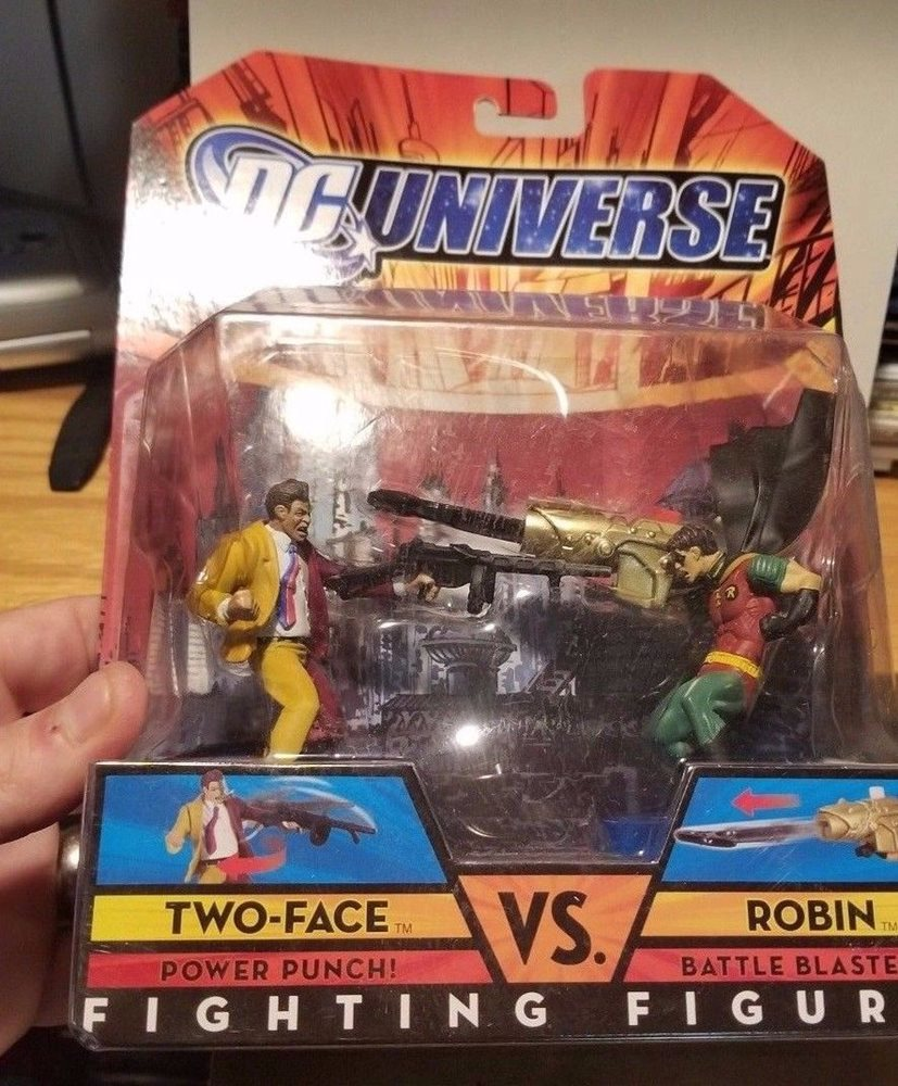 DC Universe Fighting Figures Two Face vs Robin Two Pack Figures Mattel MOC  2007