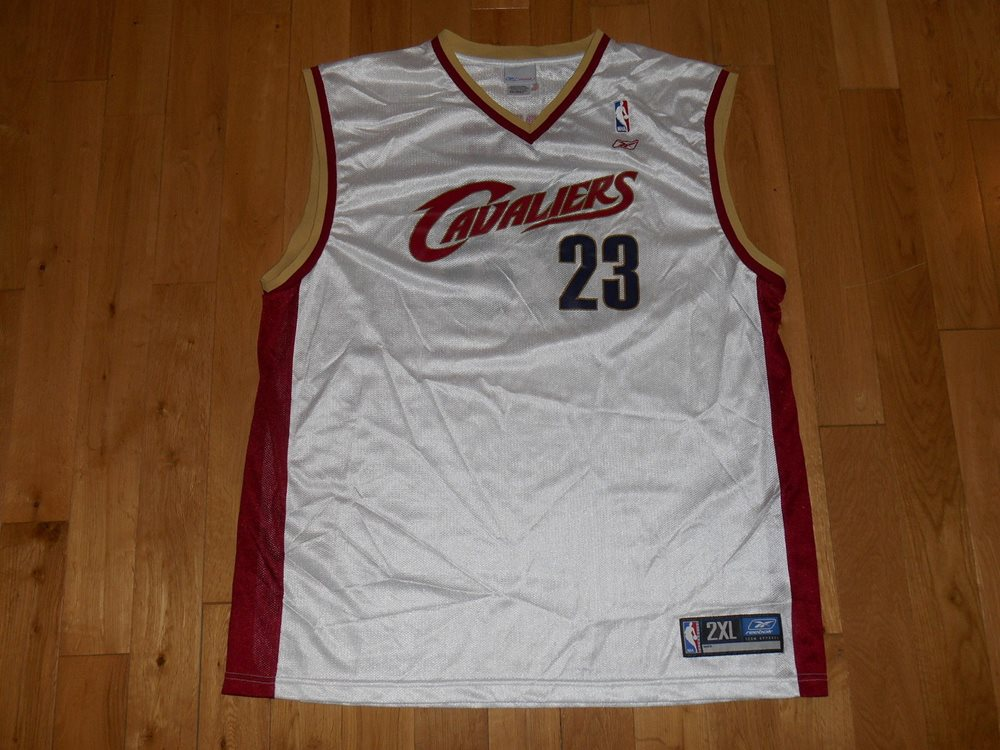 more photos 97b83 706f4 REEBOK LEBRON JAMES WHITE CLEVELAND CAVALIERS MENS NBA TEAM REPLICA JERSEY  XXL