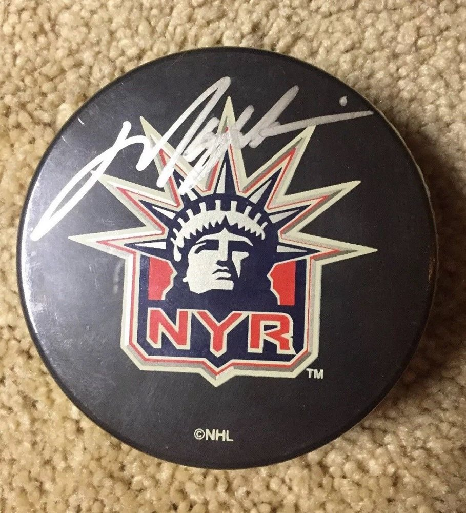 huge selection of de2ce 82172 Mark Messier Signed Autographed Puck NY Rangers Steiner Sports NHL Authentic