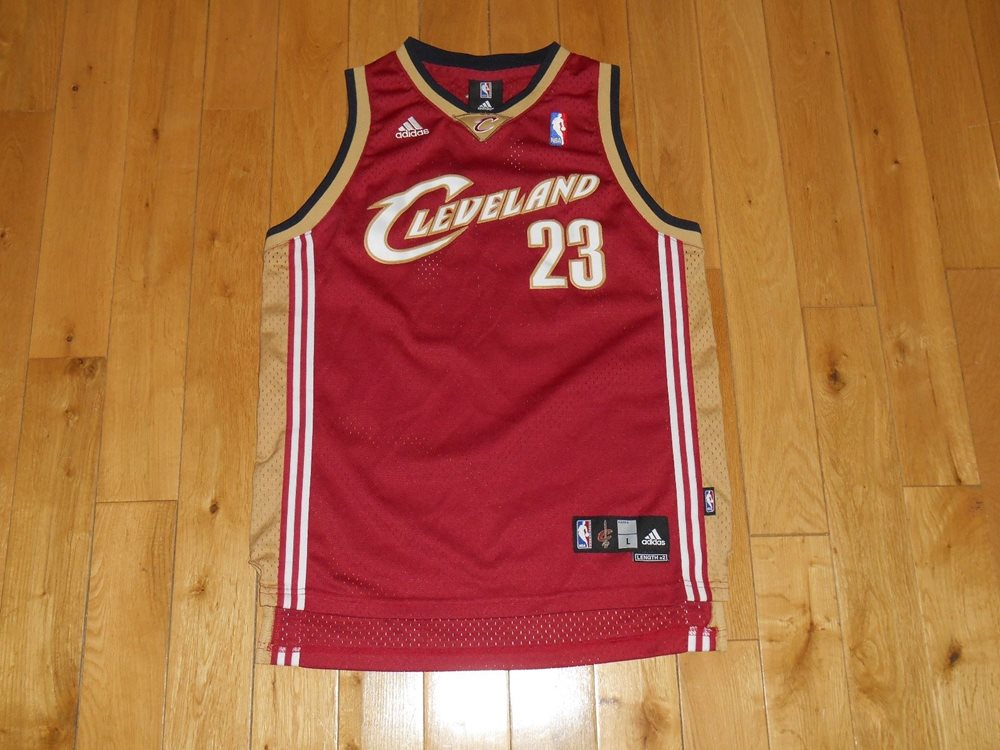 official photos f02cc 9879a Vintage adidas LEBRON JAMES CLEVELAND CAVALIERS Youth NBA Team Swingman  JERSEY L