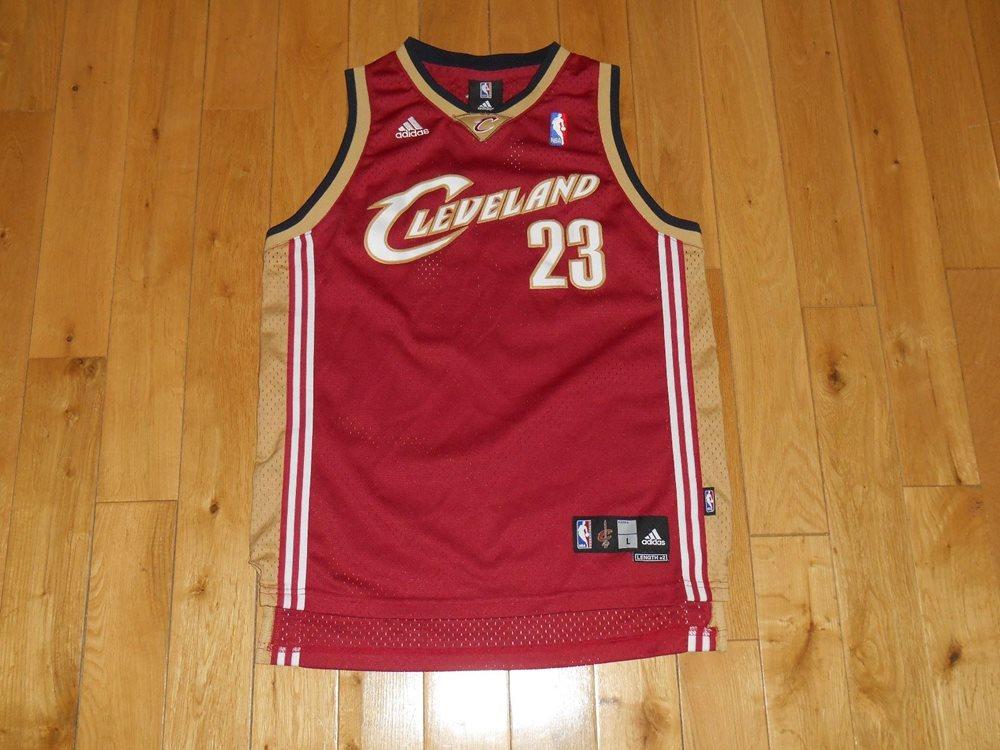 official photos d02d5 d8f34 Vintage adidas LEBRON JAMES CLEVELAND CAVALIERS Youth NBA Team Swingman  JERSEY L