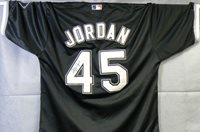 new arrival 0bfb5 ee952 Michael Jordan Autographed White Sox Jersey